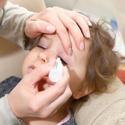 Jangan Sampai Salah, Ini Dia Cara Mengobati Sakit Mata Pada Anak yang Tepat