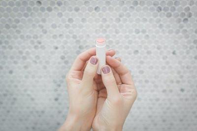 Pentingnya Merawat Area Bibir, Ketahui Apa Saja Fungsi Lip Balm