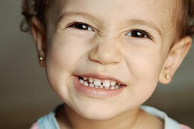 Pilih Bahan Terbaik Untuk Anting Anak, Jangan Sampai Bikin Infeksi Moms!