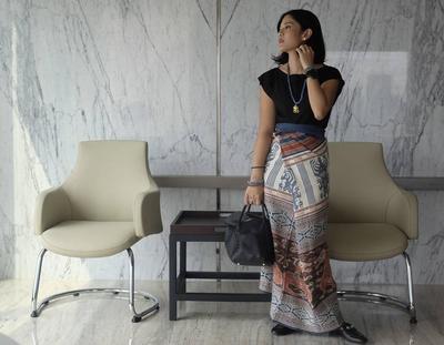 Intip 5 Model Rok Kebaya yang Bikin Tampilan Moms Makin Elegan