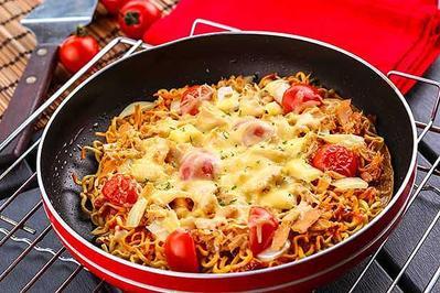 Resep Pizza Mie Keju