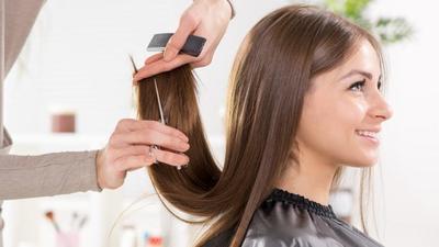 Rutin memotong rambut