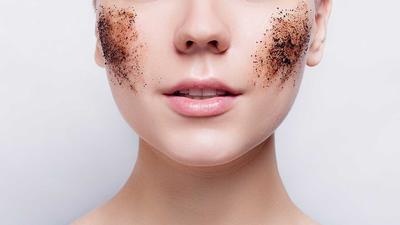 Cerahkan Kulit Wajah Dan Samarkan Bekas Jerawat Dengan Masker Kopi Alami
