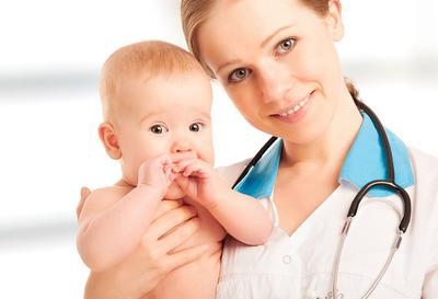 Si Kecil Sakit? Segera Bawa ke Dokter Anak Terdekat, Moms!