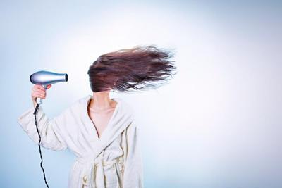 Cara Merawat Rambut Mengembang dan Kering