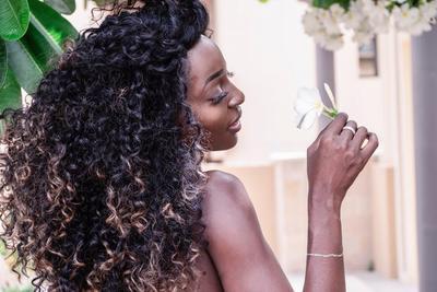 Cara Merawat Rambut Mengembang dan Keriting