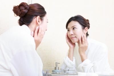 Tips Memilih Produk Kecantikan, Pastikan Aman dan Cocok untuk Kulit Moms