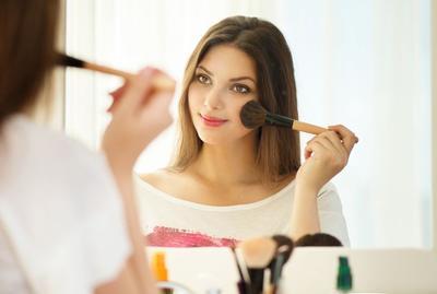 Make Up Sederhana untuk Pemula, Anti Ribet dan Pasti Cantik