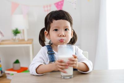 Tinggi Nutrisi, Apakah Dancow Fortigro Benar-Benar Cocok untuk Si Kecil?