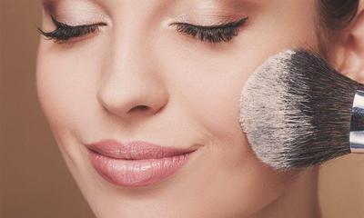 Moms, Kenali Ciri Kosmetik Berbahaya dan Rekomendasi yang aman untuk Ibu Hamil