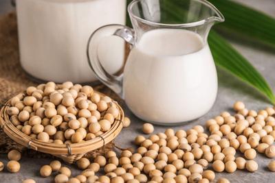 Susu Soya sebagai Alternatif Susu Sapi