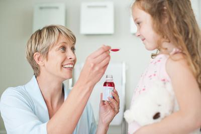 Moms, Perlukah Antibiotik untuk Radang Tenggorokan pada Anak?