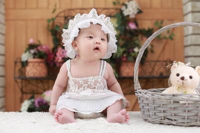 Moms, Ini Cara Menstimulasi Bayi 5 Bulan Agar Siap untuk Duduk