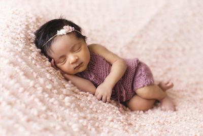 Tanda-tanda Moms Akan Melahirkan Bayi Perempuan