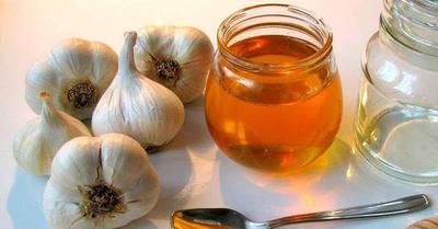 Selain Untuk Diet, Bawang Putih dan Madu Juga Bermanfaat Atasi Jerawat