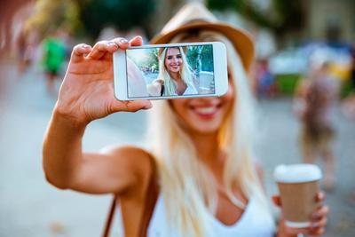 Meski Sudah Jadi Mommy, Tak Ada Salahnya Bikin Feed Instagram Tetap Kece dengan Tips Ini