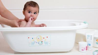 Kayu Secang untuk Mandi Bayi