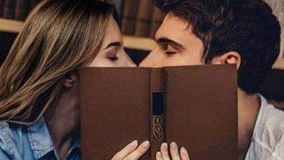 Teknik Ciuman Bibir