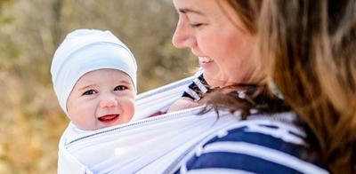 Ragam Pilihan Gendongan Bayi Dialogue, Mana yang Paling Pas Buat Mommy dan Si Kecil?