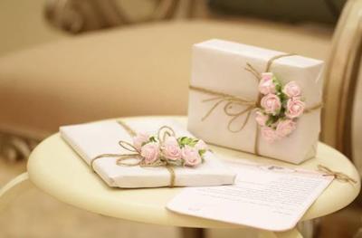 Ragam Kado Pernikahan Unik dan Bermanfaat, Bisa Jadi Inspirasi Nih, Moms