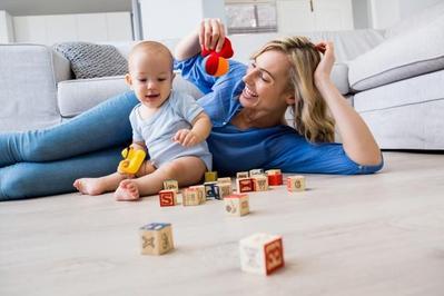 Contoh Mainan Stimulasi Bayi 2 Bulan