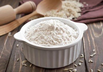 Memutihkan Kulit dengan Tepung Beras