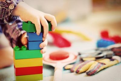 Menyusun Balok dan Puzzle