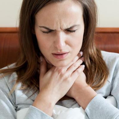 Meredakan Gangguan Tenggorokan