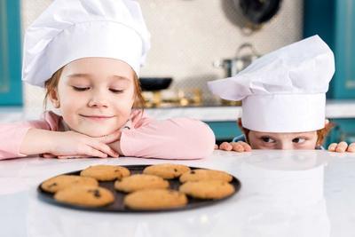 Aneka Resep Kue Kering Tanpa Oven, Bikin Bareng Si Kecil Yuk Moms!