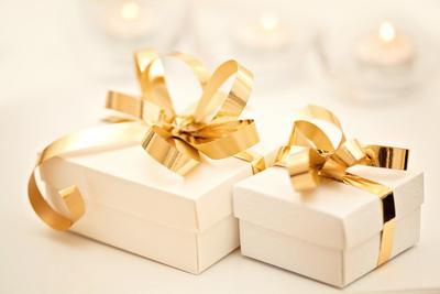 Bingung Pilih Hadiah Pernikahan untuk Mempelai Pria atau Wanita? Yuk Simak Rekomendasi Ini!