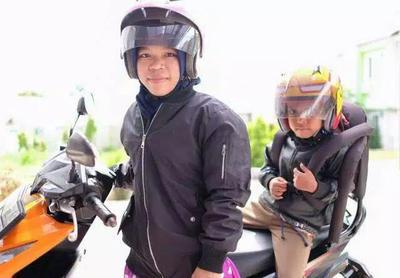 Ragam Kursi Boncengan Motor untuk Anak, Aman Nggak Sih Moms?