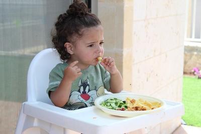 Biar Nggak Bingung Lagi, Ini Moms Rekomendasi Tempat Makan yang Aman untuk Bayi