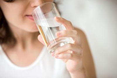 Terlalu Banyak Minum Air Putih