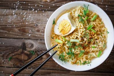 Kalori dalam Mie Instan dan Nasi