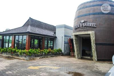 Brick & Barrel Bistro