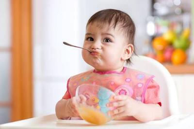 Bayi Usia 10-12 Bulan