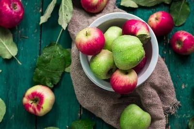 Ingin Diet dengan Buah Apel? Moms Cari Tahu Dulu Manfaat dan Aturannya