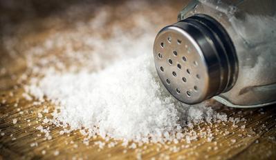 Mudah dan Efektif, Ini Ragam Cara Menghilangkan Ketombe dengan Garam