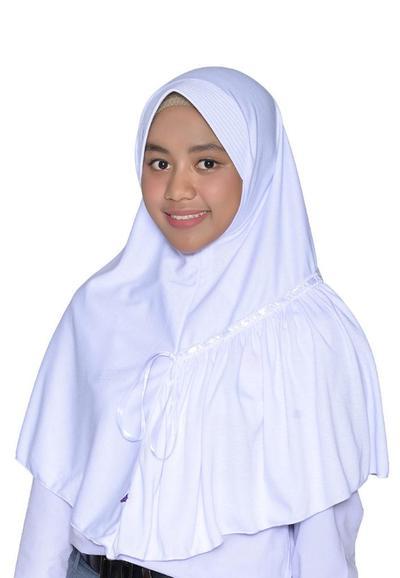 3. Kerudung Rabbani Amira