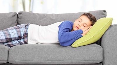 4. Atur Waktu Tidur Siang Anak