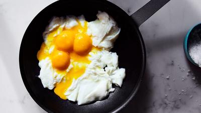 Memasak Scramble Egg Anti Gagal Ala Restoran Cepat Saji, Si Kecil Pasti Suka!