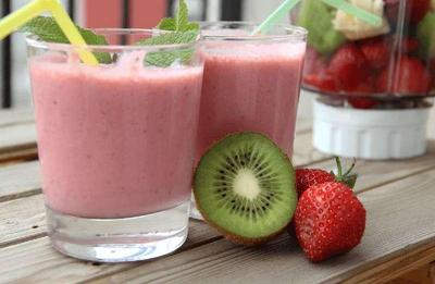 Jus Strawberry, Kiwi, dan Jeruk