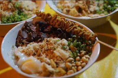 Bubur Ayam Khas Nusantara, Sudah Pernah Coba yang Mana Saja Nih Moms?