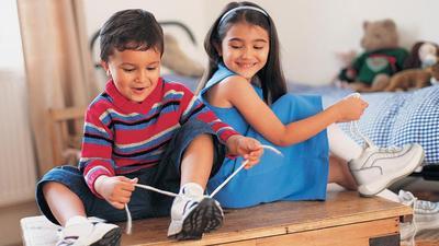 5 Sepatu Sekolah yang Banyak Diminati dan Jadi Favorit Anak