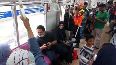 Kronologi Ibu Muda Melahirkan di KRL Bogor