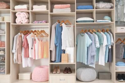 4 Tipe Lemari Pakaian Minimalis yang Bikin Kamar Moms Makin Cantik