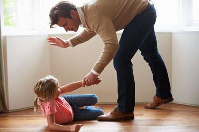 Kebiasaan Orangtua yang Berdampak Buruk Pada Anak