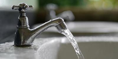 Cuci Tahu Dengan Air Mengalir