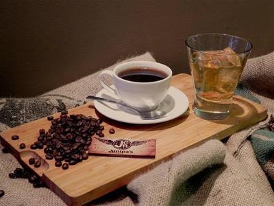 Minum Kafein dan Alkohol