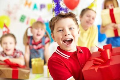 4. Beri Hadiah Jika Anak Tak Rewel